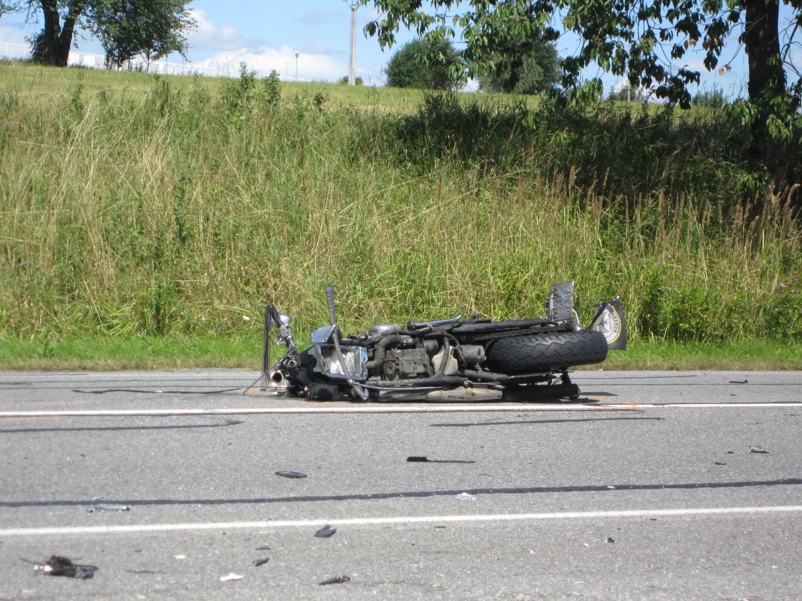 Motorka byla po nehodě zcela zničena