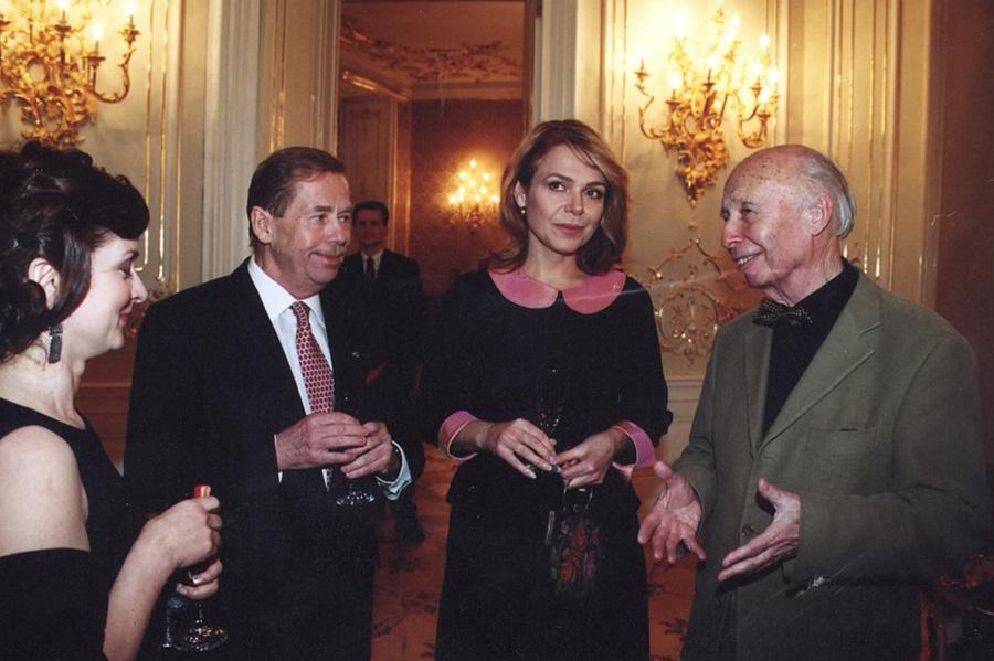 Architekt Miroslav Řepa s Václavem a Dagmar Havlovými