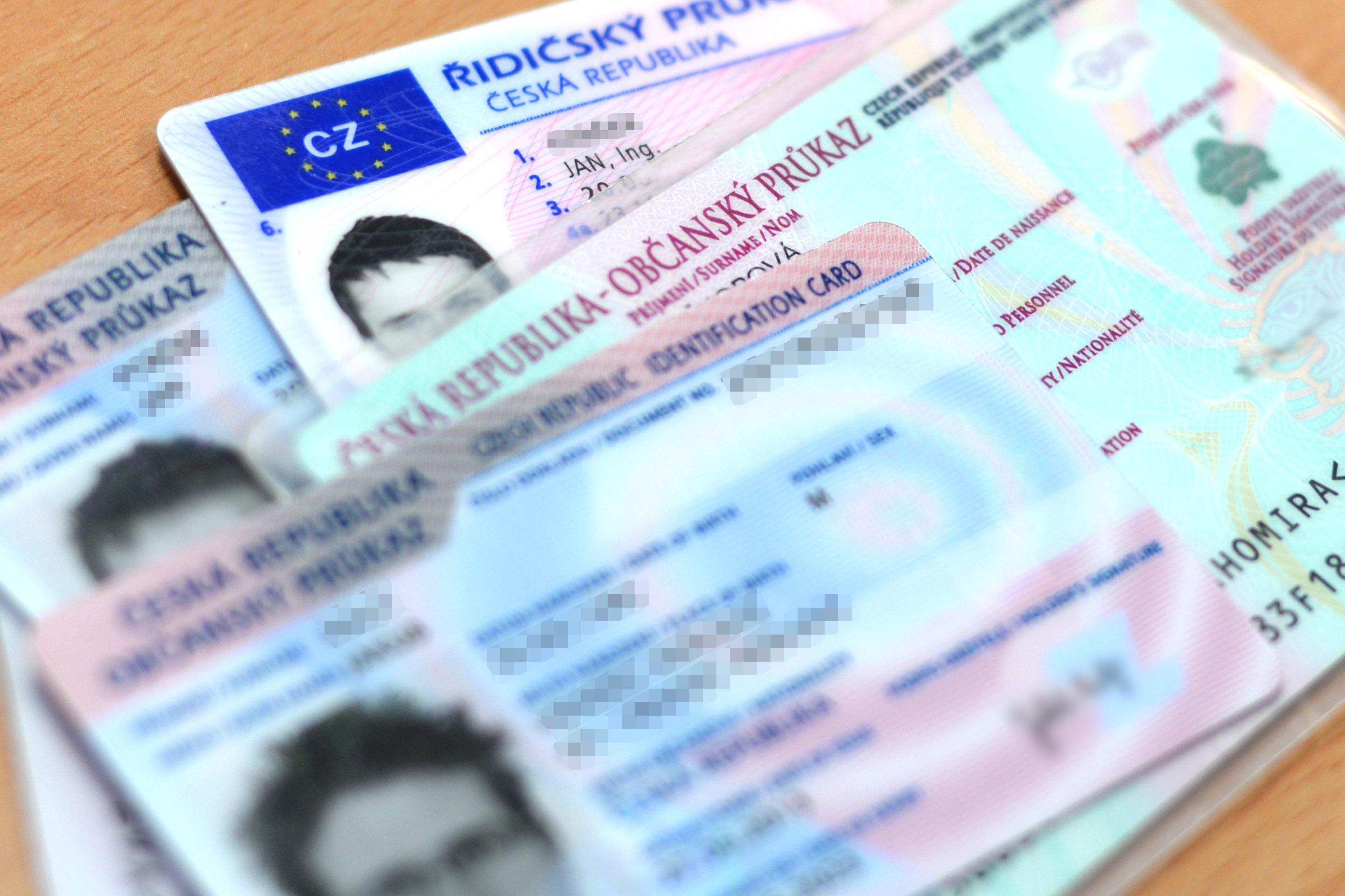 Zkontrolujte si platnost řidičského průkazu, vyhnete se pokutě