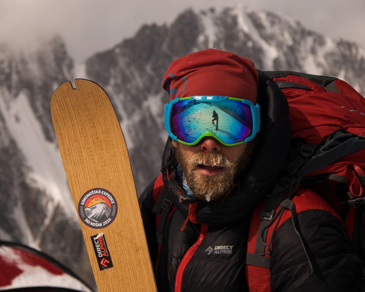Česká dobrodružná expedice zdolala na skialpinistických lyžích afghánskou velehoru Nošak - Zdeněk Hák