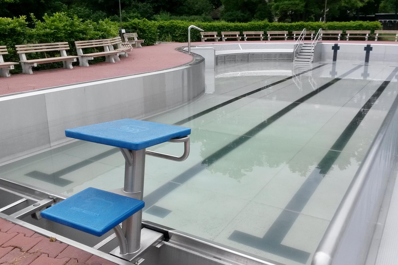 Bazén pardubického aquacentra je zatím téměř bez vody