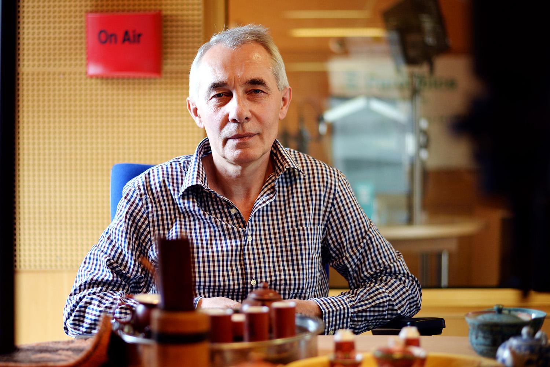 Boleslav Nevělík ve studiu předvedl i čajový rituál Kung Fu