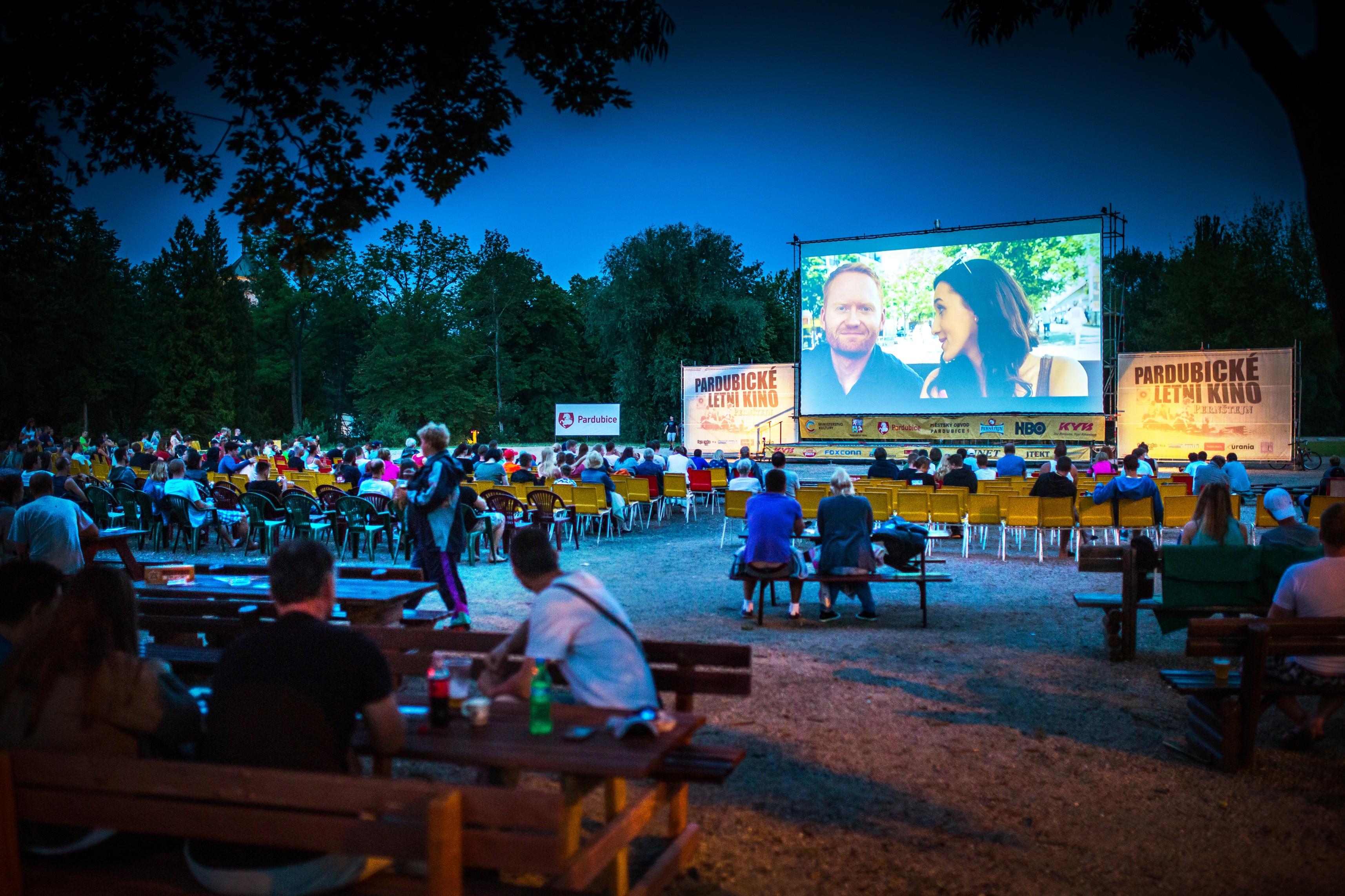 Když je hezky, do letního kina každý večer přijde přibližně tisíc lidí