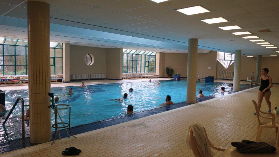 Bazén Léčebných lázní Bohdaneč má délku 20 metrů a je hluboký 140 cm