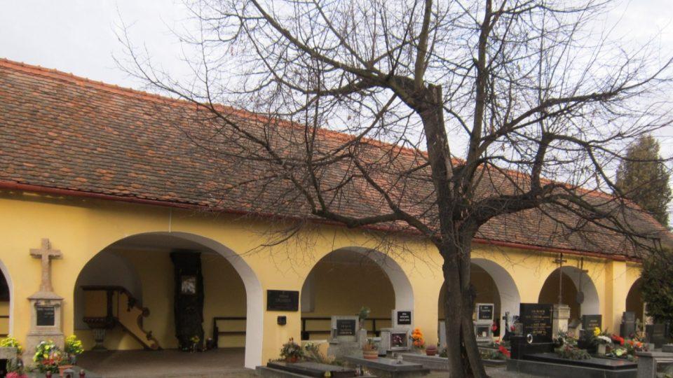 Poutní kostel Navštívení Panny Marie na Svatém poli