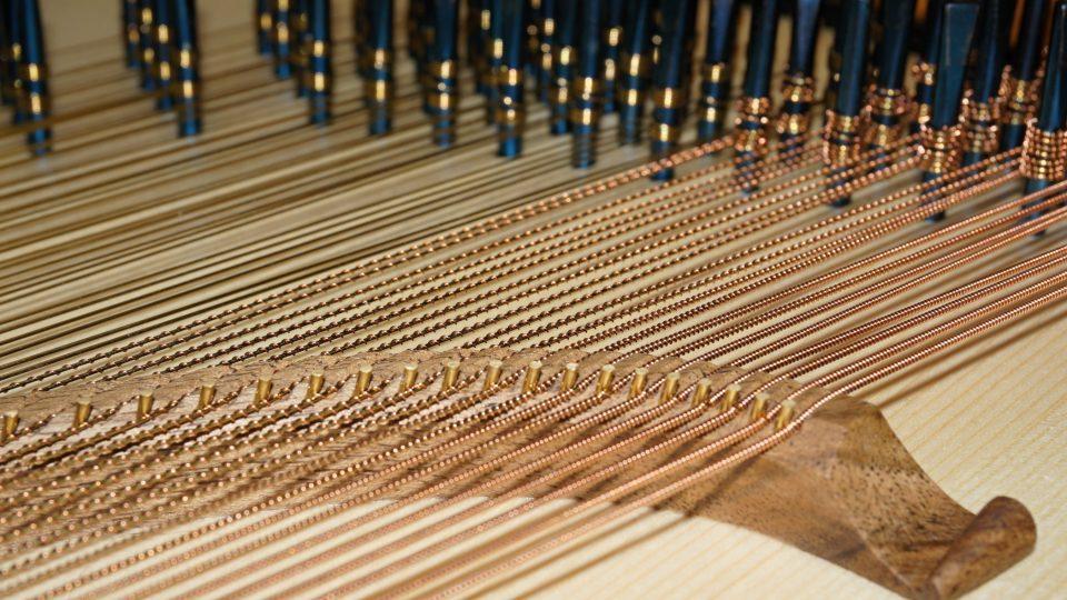 Struny cembala