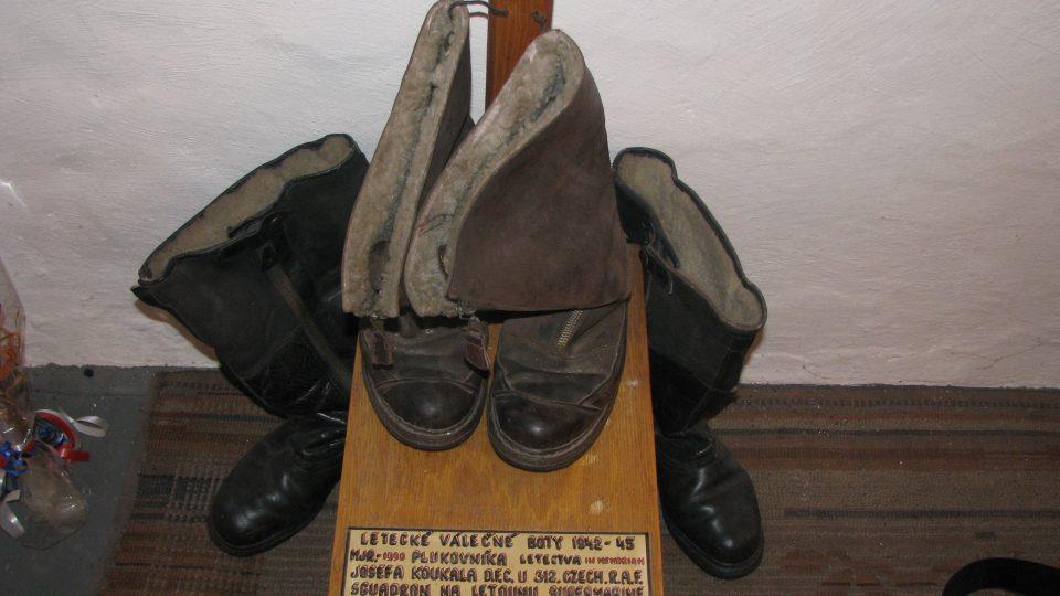 Originální letecké boty Plk. Josefa Koukala D.F.C.