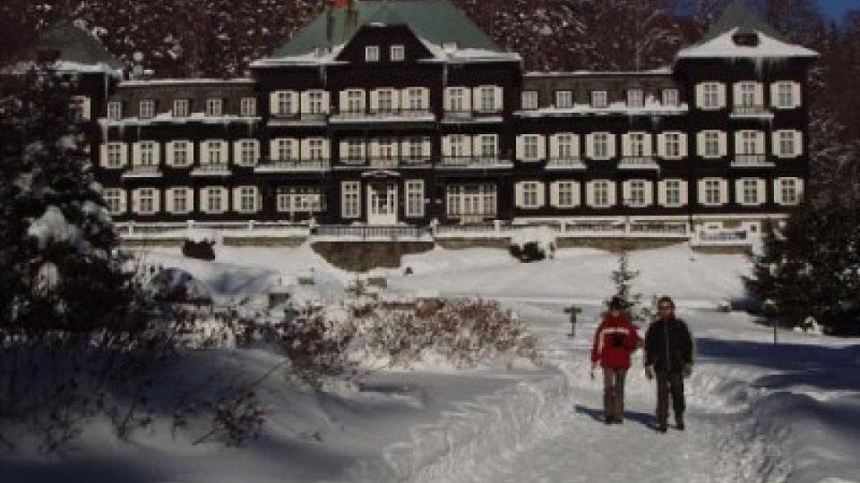 Slezský dům v Karlově Studánce je známý z filmu S tebou mě baví svět