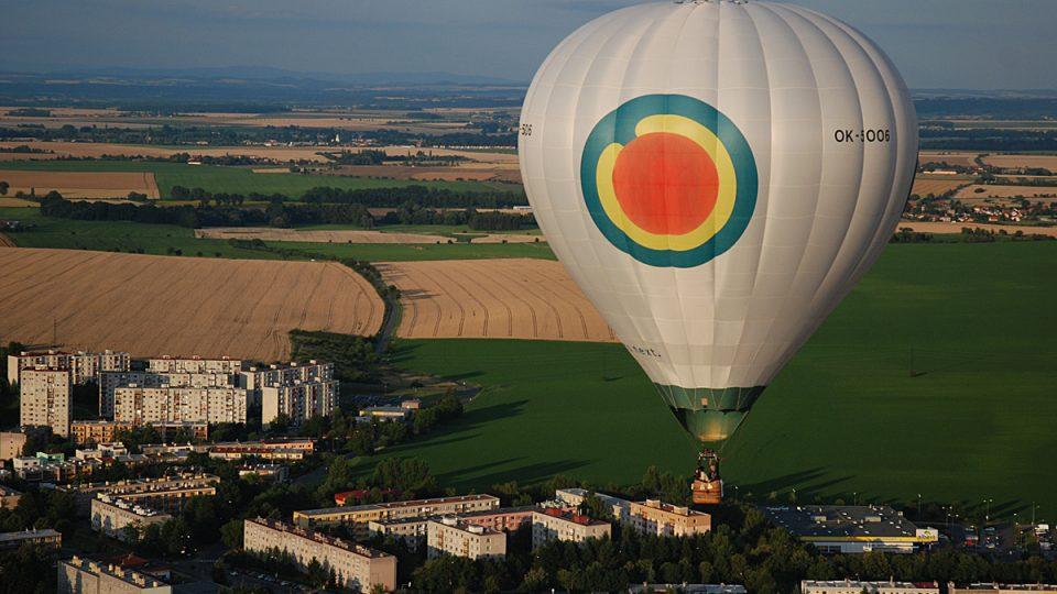 Balóny se vznáší nad Chrudimí