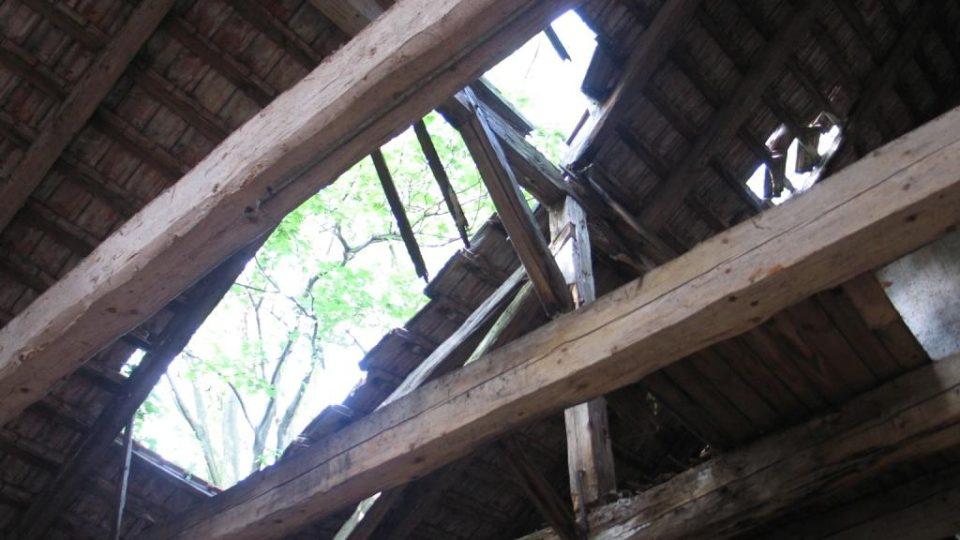 Pivovar Rychmburk v Předhradí - střechy jsou v dezolátním stavu