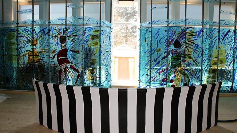 Viktoriiny vodopády najdete i v Holicích. Pro Africké muzeum je vytvořil David Vávra.