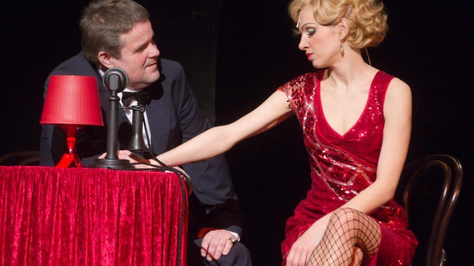 Alexandr Postler a Martina Sikorová v představení Cabaret