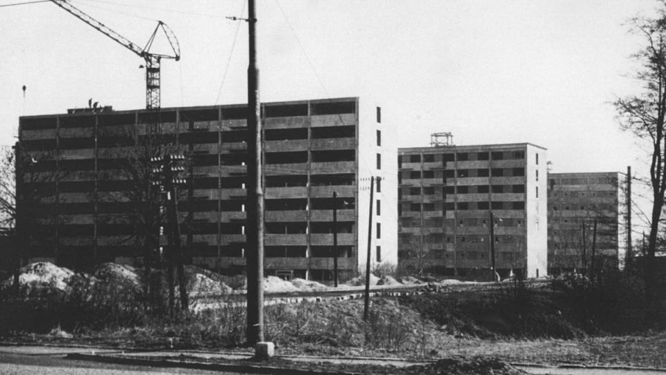 Stavba vysokoškolských kolejí v Polabinách