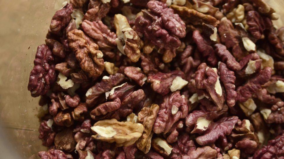 Červená odrůda vlašského ořechu