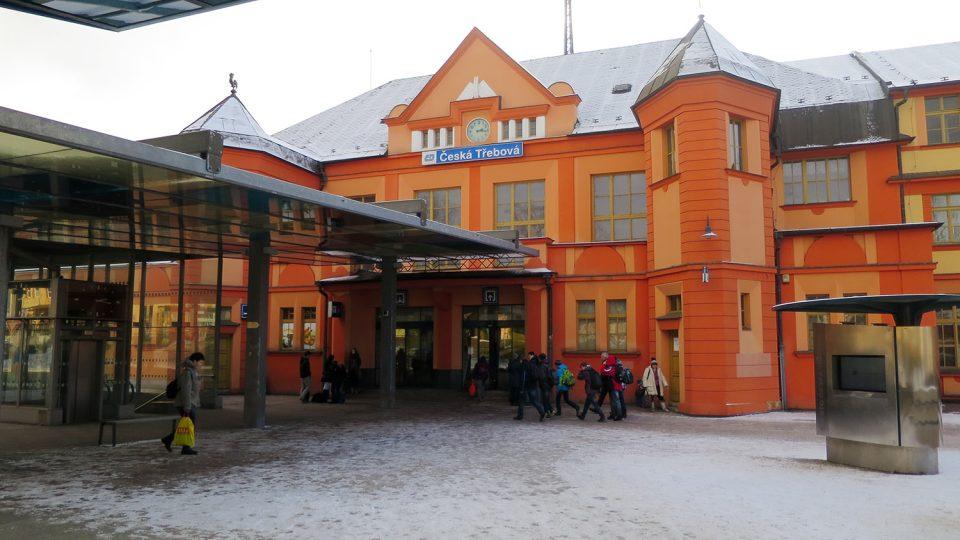 Historická budova nádraží a dopravní terminál Jana Pernera