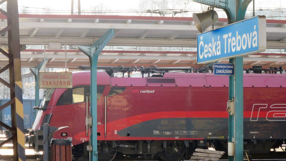Nástupiště na nádraží v České Třebové