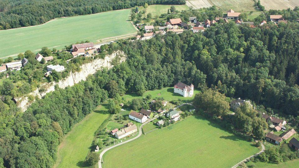 Letecký pohled na obec Skála a Podskála Foto Daniel Smutek