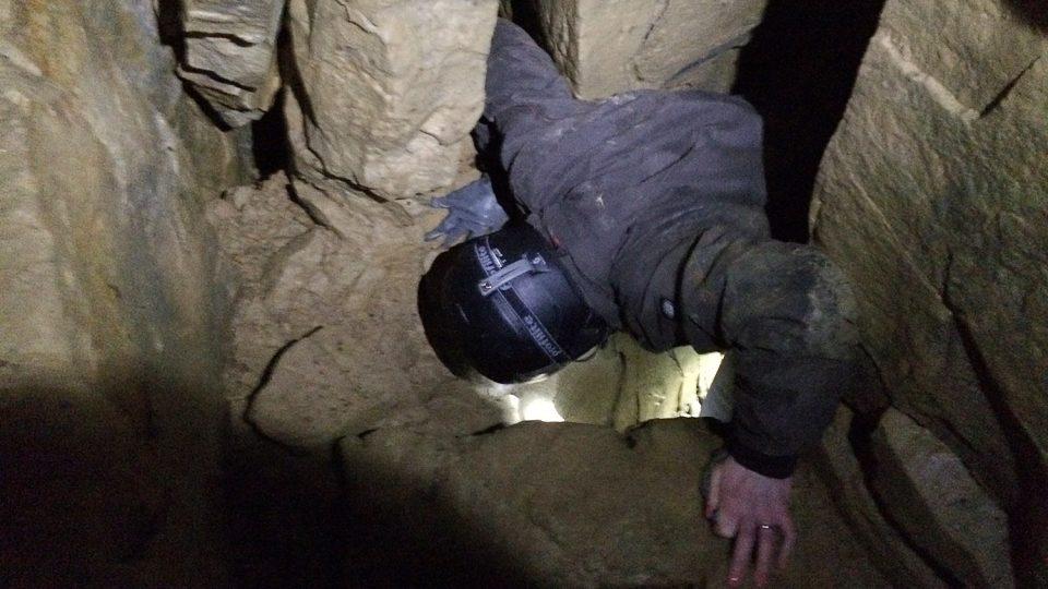 Počítání netopýrů není pro jedince s klaustrofobií a špatnou fyzickou kondicí