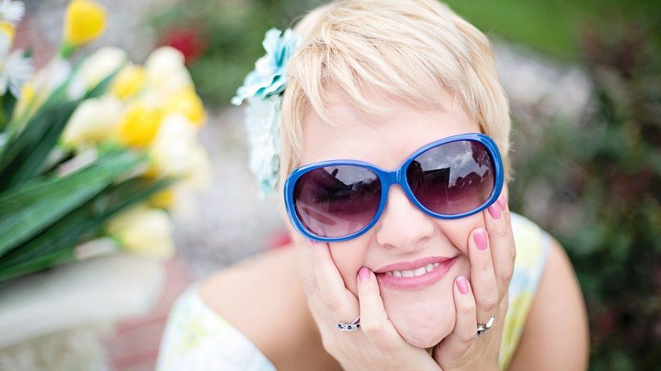 Dobře sedět by vám měly taky sluneční brýle. Když vám obroučky dobře padnou, to je pak radost z nošení!