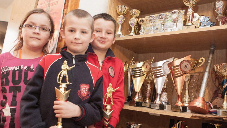 Družstvo mladších žáků může slavit svoje úspěchy na soutěžích, loni bylo první v okrese
