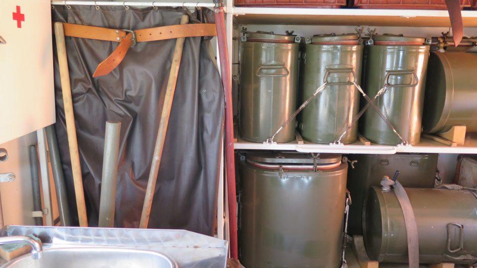 Polní kuchyně POKA - vnitřní vybavení