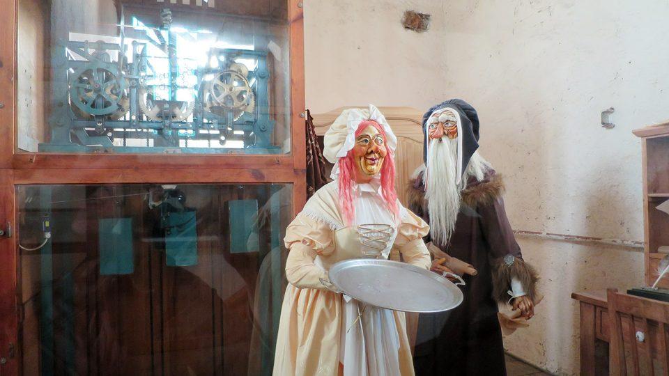 Expozice pochází z pohádkové dílny výtvarnice Vítězslavy Klimtové