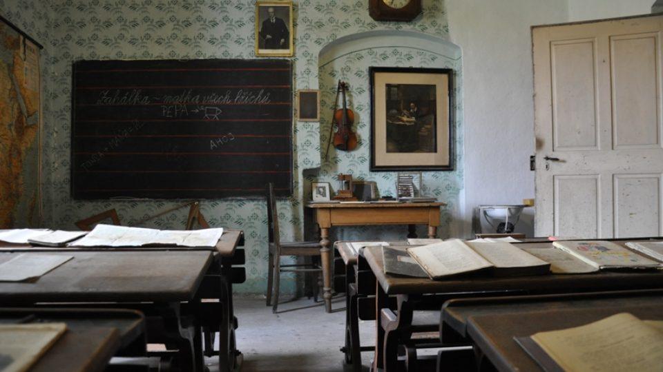 Na faře mají kompletně zachovalou školní třídu z roku 1926