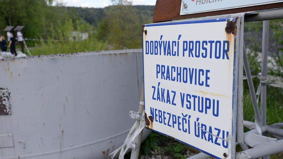 Vápencový lom v Prachovicích je stále aktivní