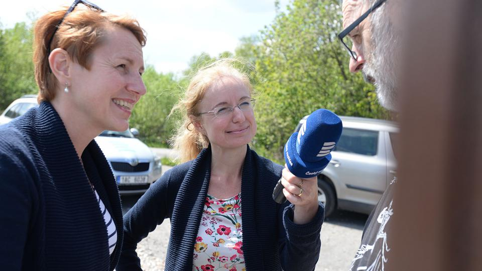 Tereza Brázdová a Jitka Slezáková natáčí s Danielem Smutkem