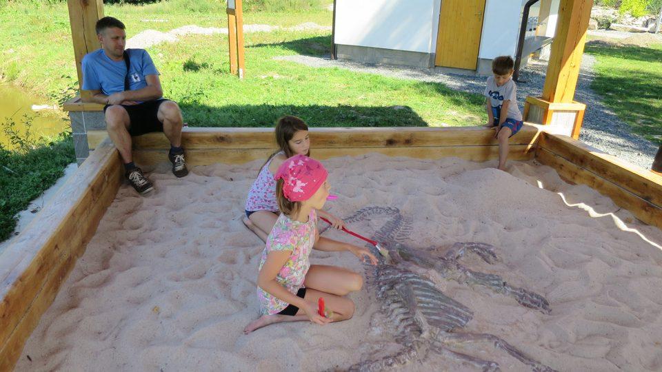 Archeologické naleziště Brány do pravěku děti milují