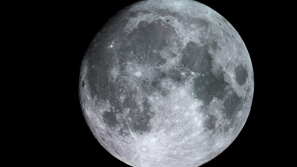 Měsíc při pozorování 13. listopadu 2016