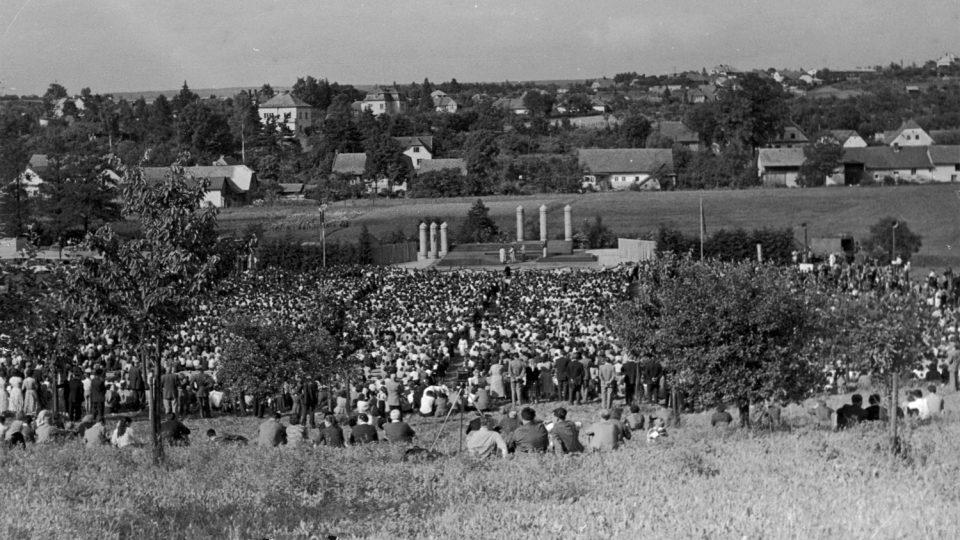 Inscenace opery Libuše v lokalitě Na Řetízku na okraji Litomyšle v roce 1959