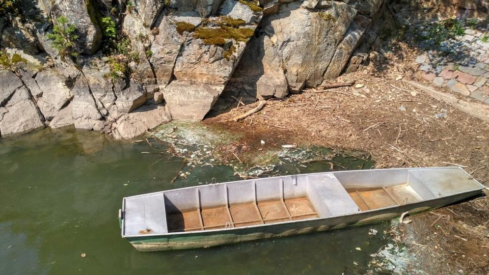 Loďka hrázného na Křižanovické přehradě