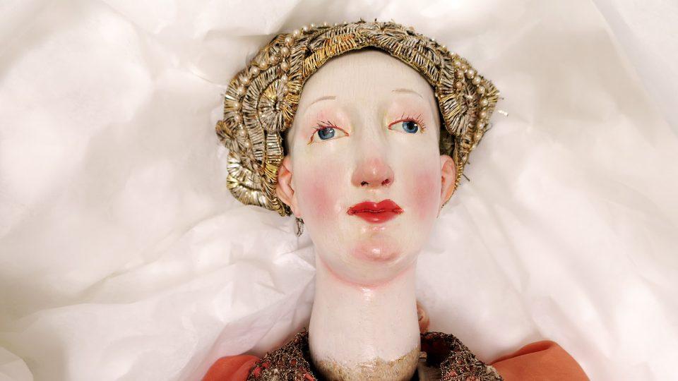 Barokní dáma je nejstarší loutkou Muzea loutkářských kultur v Chrudimi
