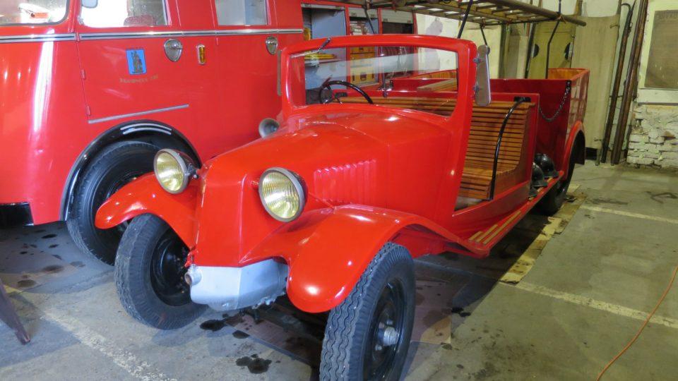 Nejstarším vozidlem Hasičského muzea v Kočí je Tatra 30 z roku 1928