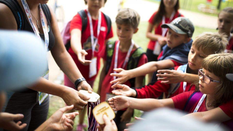 Děti si můžou vyzkoušet všechny dostupné sporty, na konci je čeká odměna