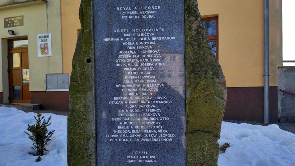 Pomník obětem holocaustu v Trhové Kamenici