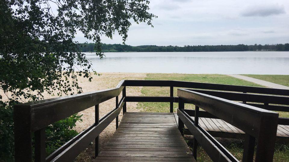 Pro autokemp u rybníka Buňkov by nákaza herpes virem mohla být podle provozovatelky likvidační