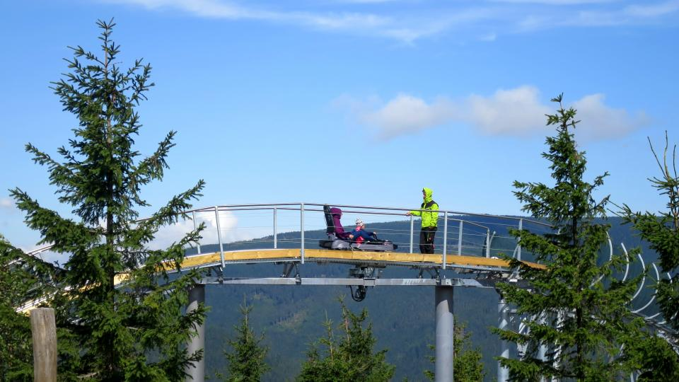 Nejvyšší bod bobové dráhy nad horním nástupištěm