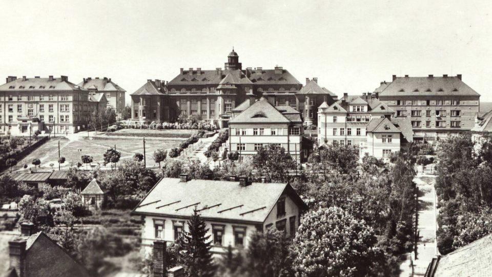 Pohled na budovu gymnázia