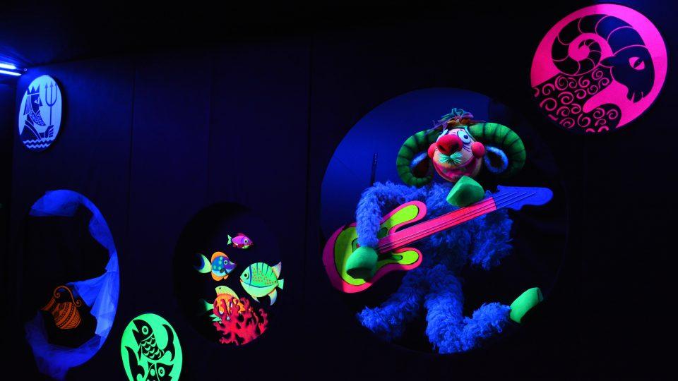 Nová výstava luminiscenčního divadla v loutkářském muzeu