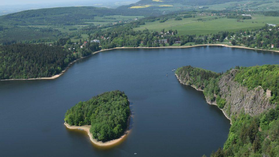 Sečská přehrada a její ostrov ve tvaru srdce