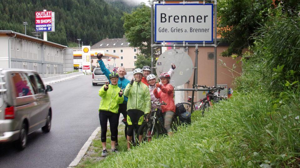 Cyklisté z Dolní Dobrouče vyrazili na kolech přes Alpy do Itálie