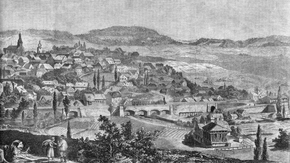 Pohled na Ústí nad Orlicí ve třetí čtvrtině 19. století. Nádraží budova je na snímku úplně vpravo