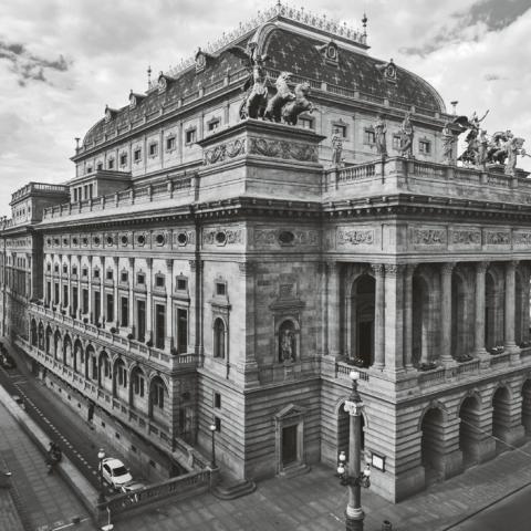 Z knihy Praha na prahu moderny; Národní divadlo Josef Zítek – Josef Schulz Národní 2 | 223 / II 1865–1883
