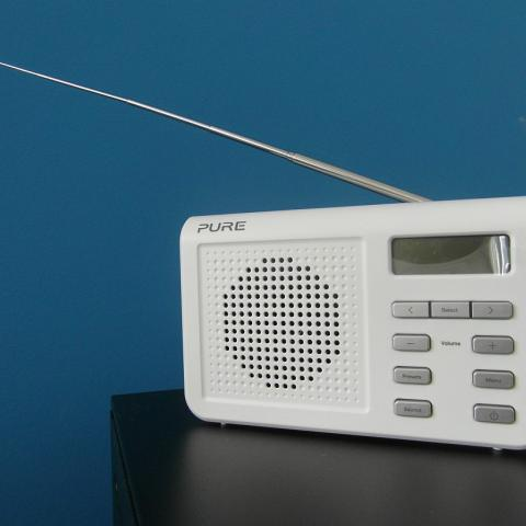 Digitální radiopřijímač