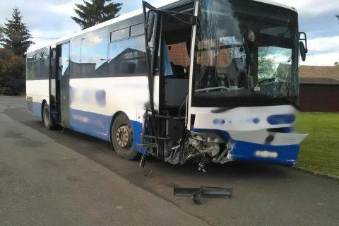 Havárie autobusu s dětmi