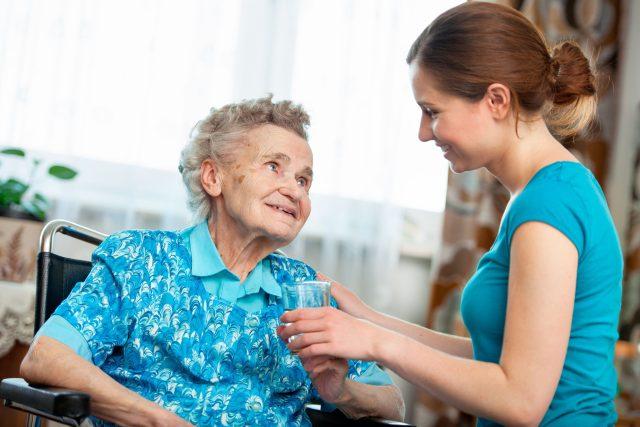 Péče o nemocného seniora
