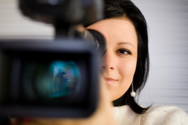 Silvie Dymáková je hlavně novinářka. Občas ale vezme do ruky kameru