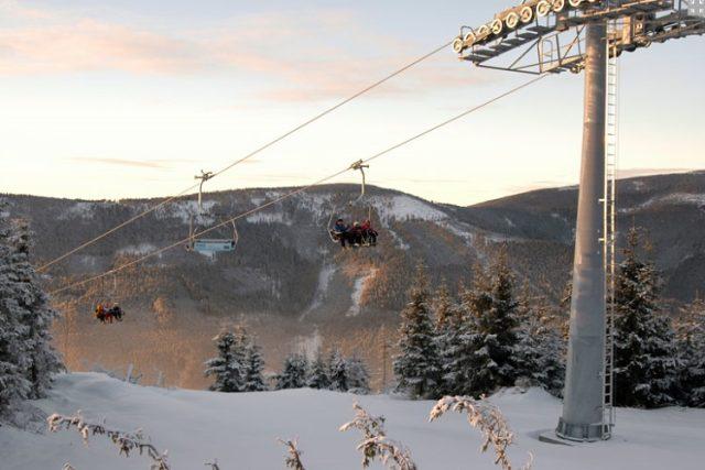 Nová vysokokapacitní lanovka v areálu Sněžník Dolní Morava lyžaře bezpochyby potěšila